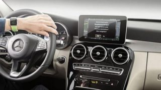 Mercedes Apple Watch